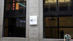 Ibovespa avança na semana com trégua fiscal, mas agravamento da pandemia preocupa