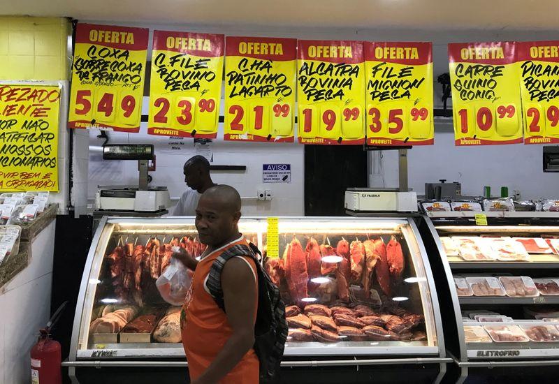 Indústrias de carnes do Brasil alertam para alta de preço e pedem apoio do governo