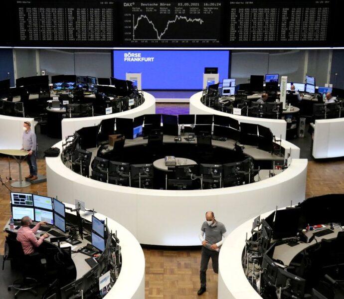 Ações europeias ficam estáveis com queda em bancos ofuscando ganhos em setor de viagens e lazer