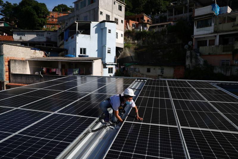 Vice-presidente da Câmara diz ter acordo para rever projeto sobre 'telhados solares'