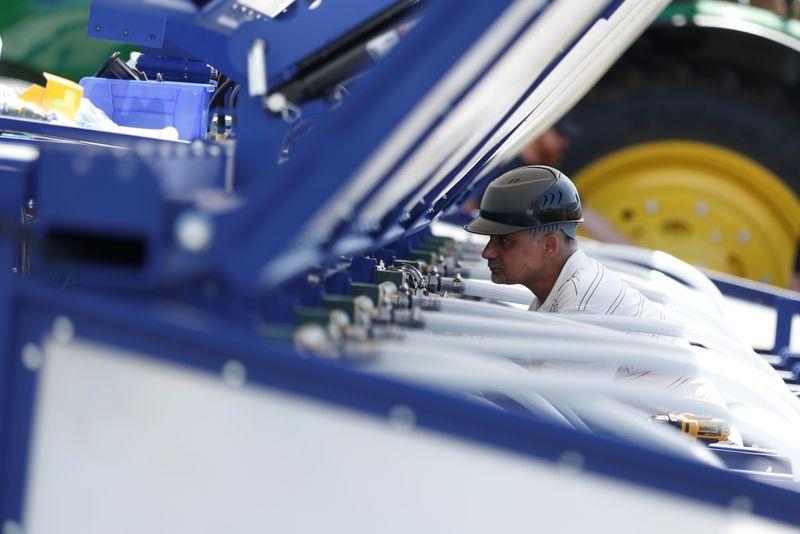 ENFOQUE-Indústria vê vendas de máquinas agrícolas fortes mesmo com impasse no Plano Safra