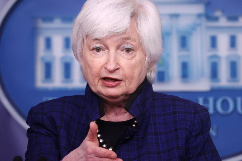 Yellen diz que Orçamento proposto por Biden elevará dívida dos EUA, mas não inflação