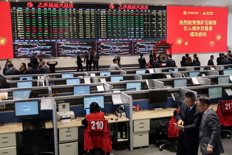 Minério de ferro sobe com mercado se recuperando após temores com alertas da China