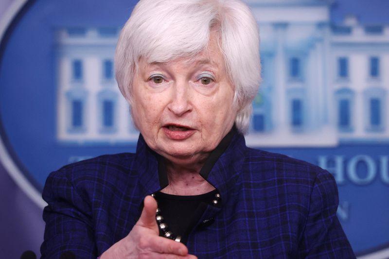 Yellen pede a G7 que mantenha apoio fiscal–comunicado