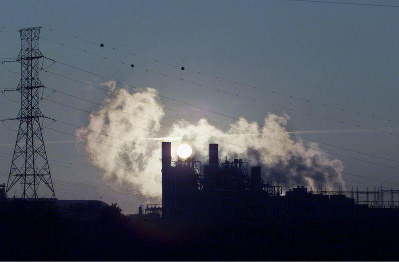 Governo autoriza uso excepcional de térmicas por 6 meses diante de crise hídrica