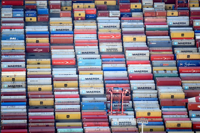 Exportações alemãs têm leve aumento em abril
