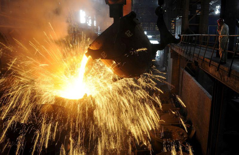 UE e EUA vão pôr fim a tarifas de aço e pedir novo estudo sobre origens da Covid-19-documento