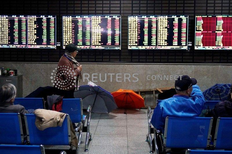 Ações da China fecham em baixa e terminam semana com perdas de novo