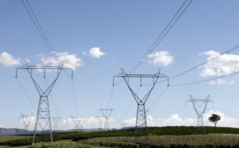 ONS vê carga de energia maior no Brasil em junho com força da indústria exportadora
