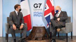 """""""Guerra da linguiça"""" entre Macron e Johnsonopõe UE e Reino Unido no G7"""
