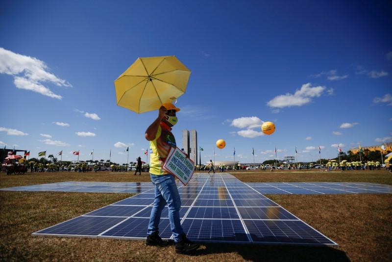 Governo prepara MP que pode autorizar eventual racionamento de energia