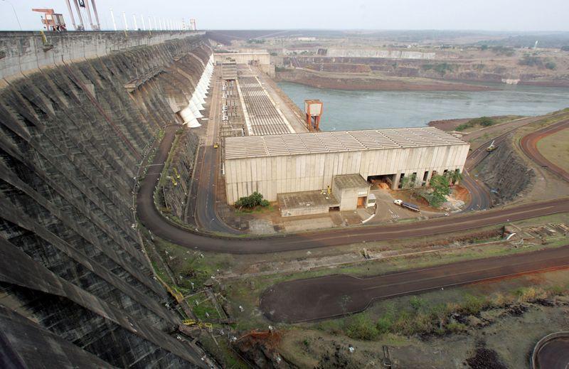Com medidas, Brasil pode ter 'travessia segura' em crise hidrelétrica, diz ONS
