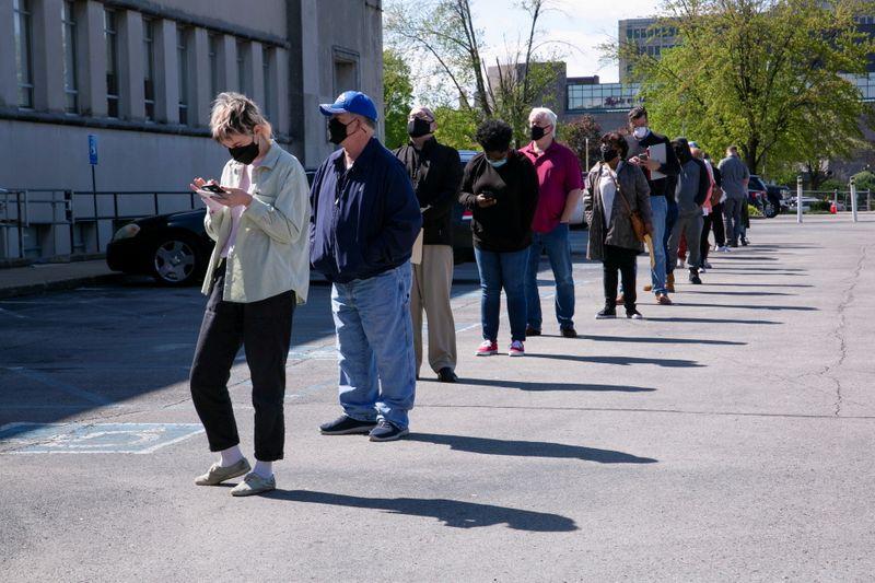 Pedidos de auxílio-desemprego nos EUA sobem inesperadamente