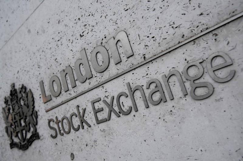 Mercado acionário europeu cai e interrompe 9 dias de ganhos diante de preocupação com Fed
