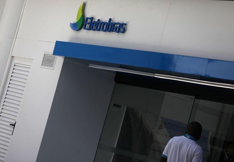 Câmara aprova privatização da Eletrobras; governo nega impacto na tarifa