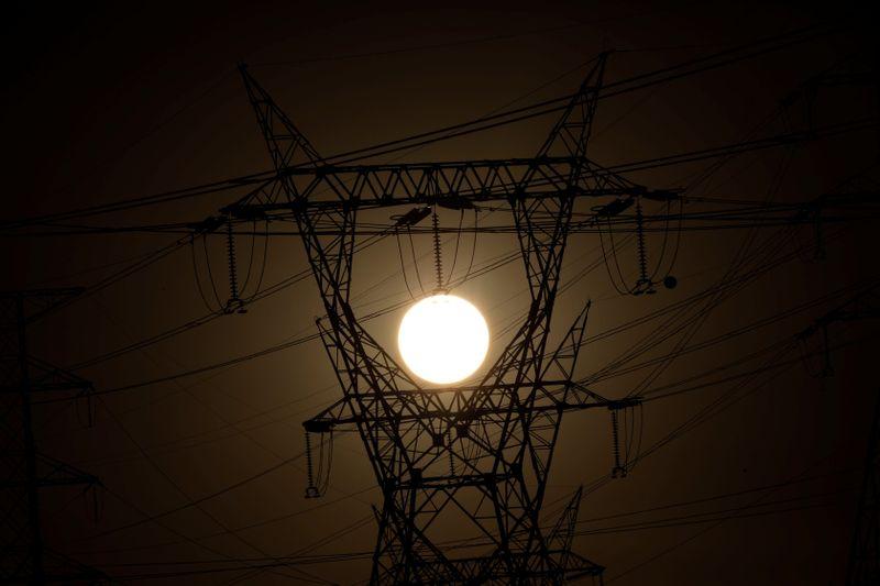 Ministro prevê emissão de ações da Eletrobras no 1º tri de 2022