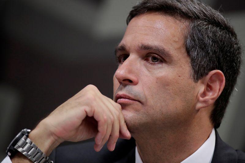 Desconcentração de serviços financeiros continuará em meio a queda de spreads, diz Campos Neto