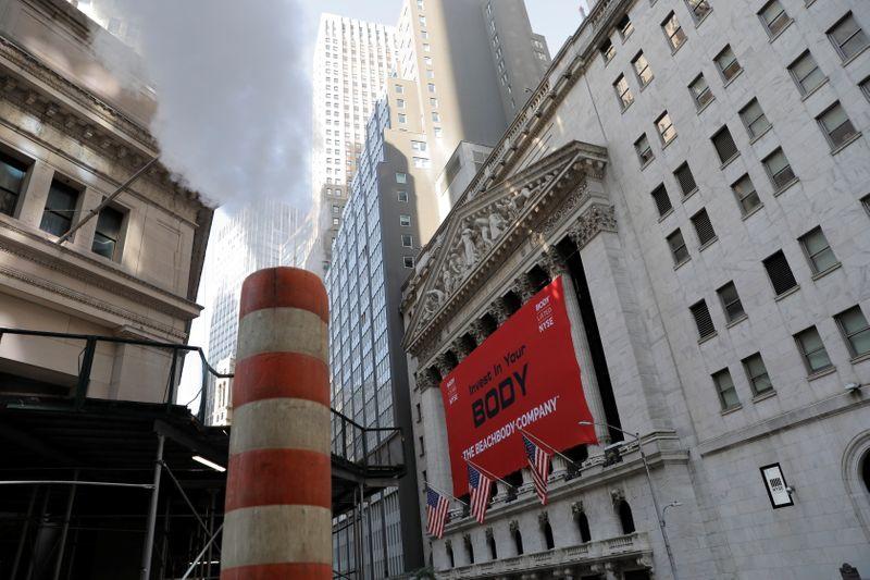 Rali em ações de tecnologia leva S&P e Nasdaq a máximas recordes