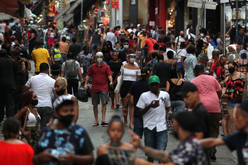 Confiança de serviços no Brasil sobe em junho e vai ao maior nível desde início de 2020, diz FGV