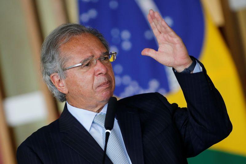 Reforma administrativa não é complexa, é simplificadora, diz Guedes