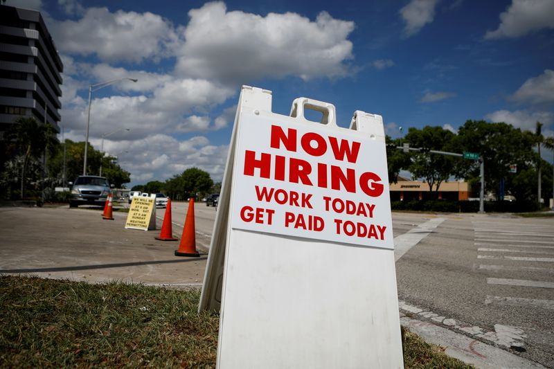 Pedidos de auxílio-desemprego nos EUA têm alta inesperada