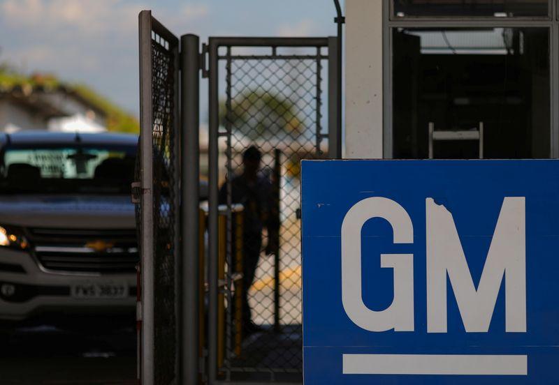 Trabalhadores da GM em SP aceitam suspensão de contratos após garantia de estabilidade
