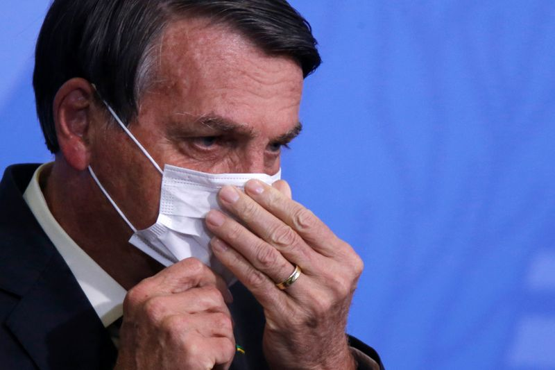 """""""Nós temos que voltar ao trabalho"""", diz Bolsonaro ao discutir prorrogação do auxílio emergencial"""