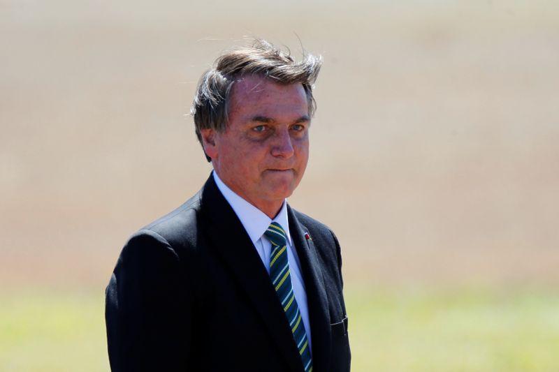 Bolsonaro afirma que Renda Brasil não será mais criado