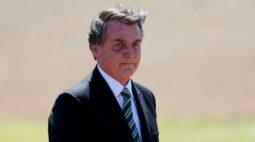 Bolsonaro tem alta e deixa hospital após cirurgia de remoção de cálculo na bexiga