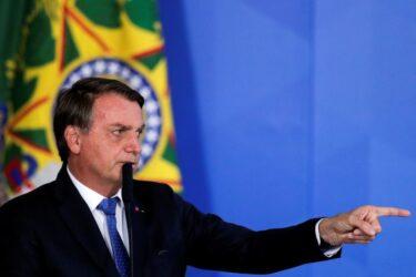 Vacina contra covid-19 não será obrigatória no Brasil, diz Bolsonaro