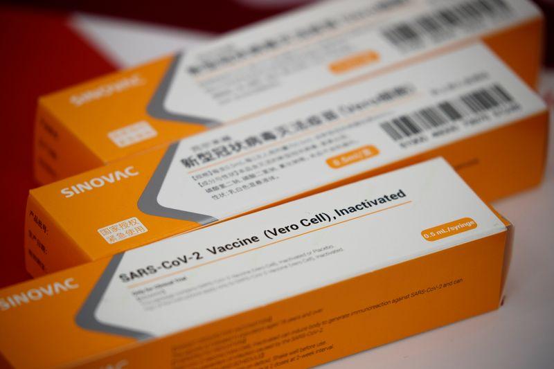 MPF cobra explicações do Ministério da Saúde sobre recuo em acordo da CoronaVac