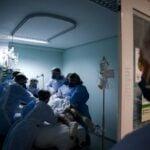 Brasil tem mais de 170 mil mortos por Covid-19; taxa de contágio volta a subir