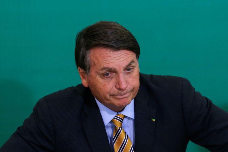 Bolsonaro abre mão de depoimento presencial em inquérito sobre interferência na PF