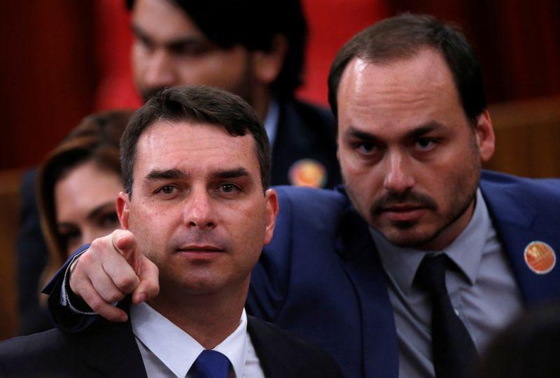 """À PF, Moro diz ter ouvido de """"ministros palacianos"""" que Carlos Bolsonaro participava do 'gabinete do ódio'"""