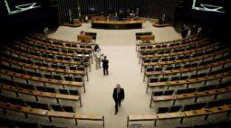 Arthur Lira diz que centrão não impede votações na Câmara, cobra Maia e diz que falta conversa