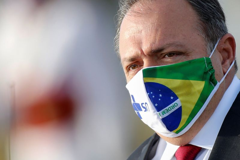 """Governadores pedirão """"múltiplas vacinas"""" contra Covid-19 em encontro com Pazuello"""