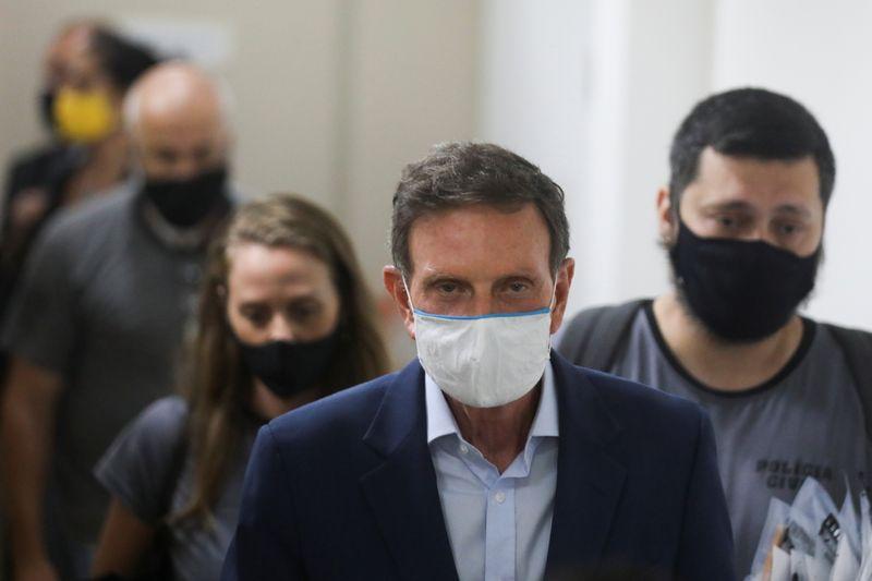 STJ concede detenção domiciliar a Crivella após prisão por corrupção no Rio