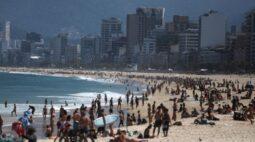 Prefeito do Rio reavalia projeto de demarcar espaços na areia das praias