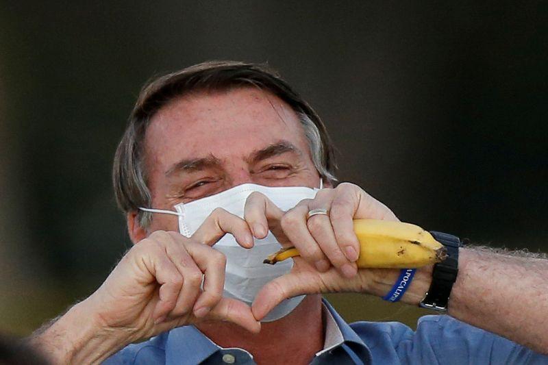 Auxílio emergencial deve continuar até dezembro, promete Bolsonaro