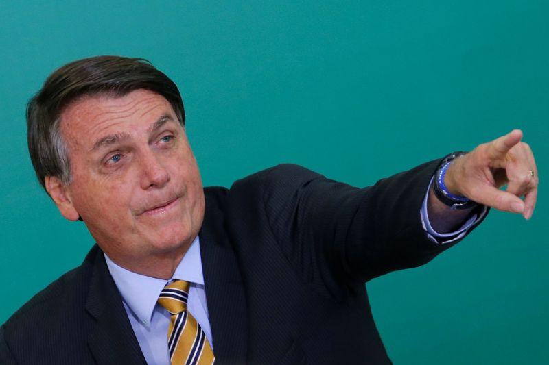 """Bolsonaro diz ter """"simpatia"""" por Rodrigo Pacheco e cobra voto de ruralistas em Lira"""