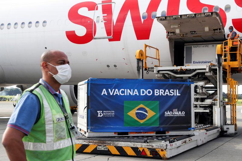 Brasil começa a vacinar contra Covid em 20 ou 21 de janeiro, diz frente de prefeitos