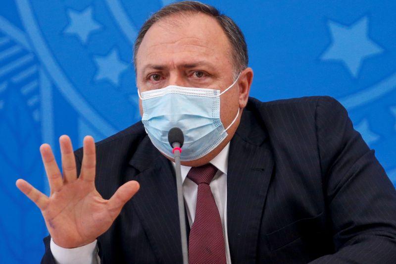 Pazuello vai comprar vacinas contra a COVID-19 da Pfizer e da Janssen