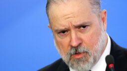 """PGR diz que cabe ao Congresso analisar """"eventuais ilícitos"""" de cúpula da República na pandemia"""