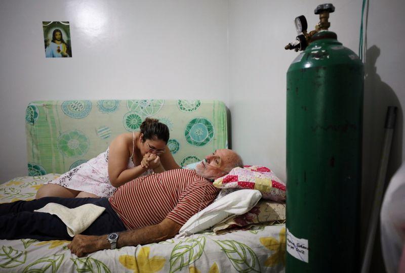 Nova variante do coronavírus é encontrada em quase metade dos casos em Manaus