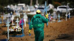 Brasil registra mais 627 mortes por Covid e total vai a 217.664