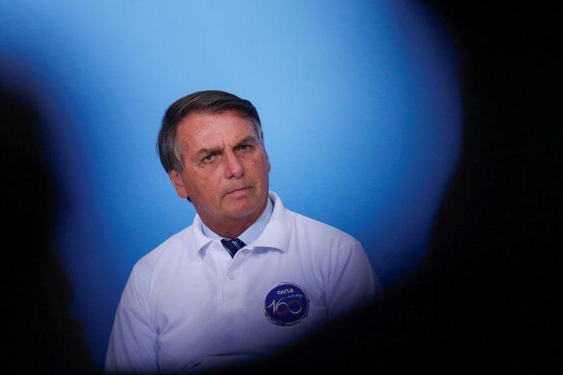 Empresários têm aval do governo para comprar vacinas, diz Bolsonaro