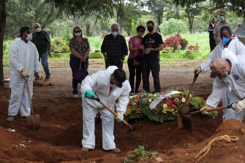 Brasil registra 1.119 novas mortes por Covid-19 e total vai a 222.666
