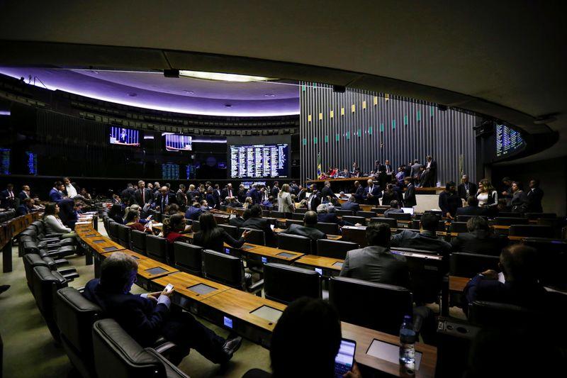Relatora recomenda manutenção de prisão de deputado Daniel Silveira
