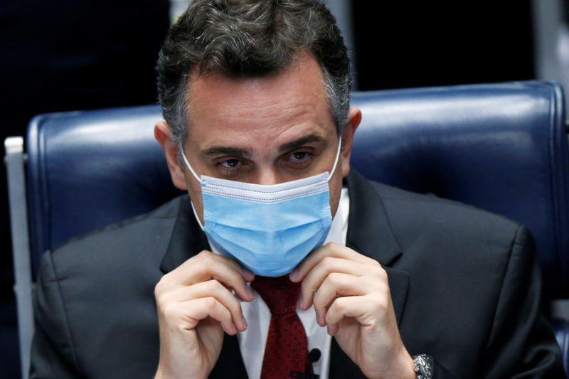 Pacheco discute projeto para permitir que iniciativa privada adquira vacinas contra Covid-19