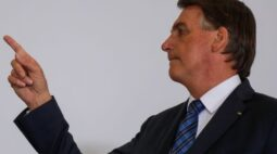 """Bolsonaro diz que sanção de autonomia do BC não é resposta ao """"caso Petrobras"""""""